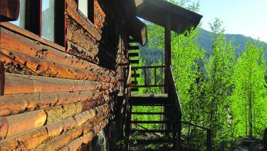 Grand Lake Retreat: Single Room Reservation