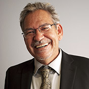 Benjamin Alire Sáenz's picture